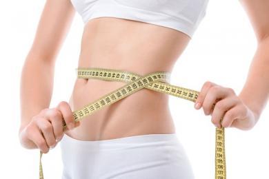 Bác sĩ phẫu thuật loại bỏ mỡ bụng của bạn bằng cách nào ?